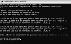 consola de windows ejecutando chkdsk
