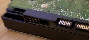 partes del disco duro puertos